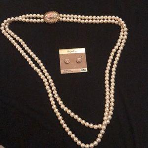 Jewelry - Pearls necklace
